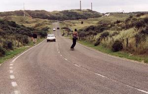Longboarden auf der Strasse
