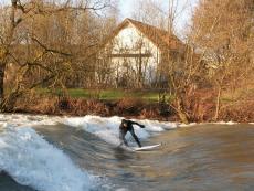 Hawaii sur Ruhr - Riversurfen im Pott