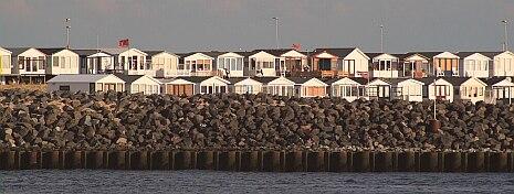 Ordnung muss sein, Strand Häuser in reih und glied :-)