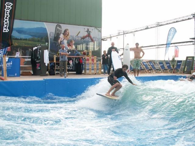 Surf Wellengenerator erzeugt Tube Wellen hohe Nutzerkapazität Wellenfrequenz
