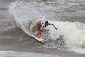 Surfer: Alessa Quizon
