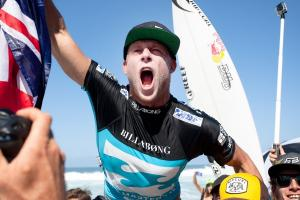 World Champ Mick Fanning  © ASP / Cestari