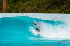 Olympia National teams Wellenreiten trainieren im Wavegarden Cove